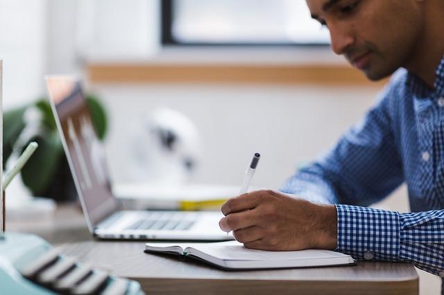¿Cuáles pueden ser las causas de insatisfacción laboral?